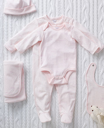 Gift set with items in light pink.